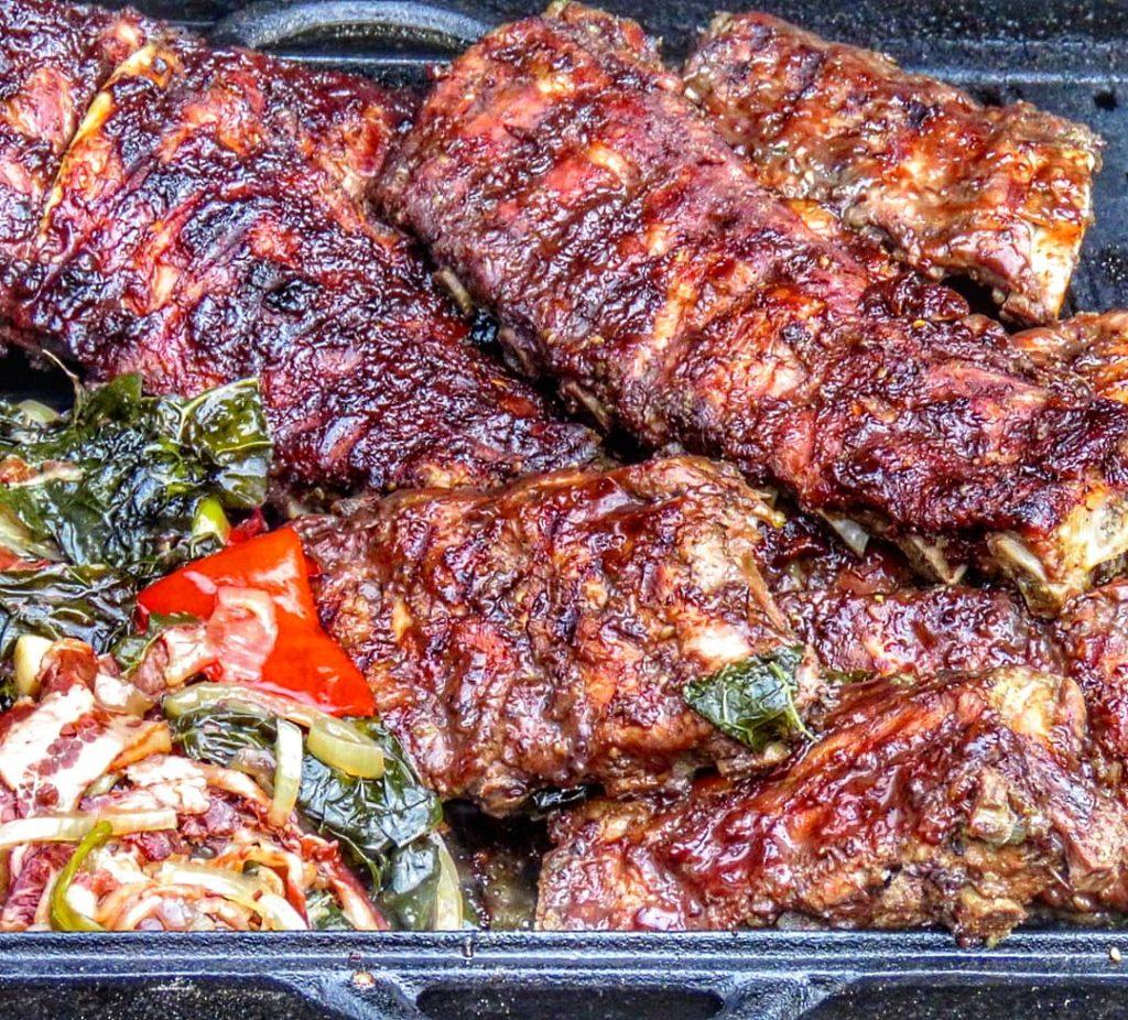 Asiatische Ribs in der Dutch Oven Pan von BBQ-Toro