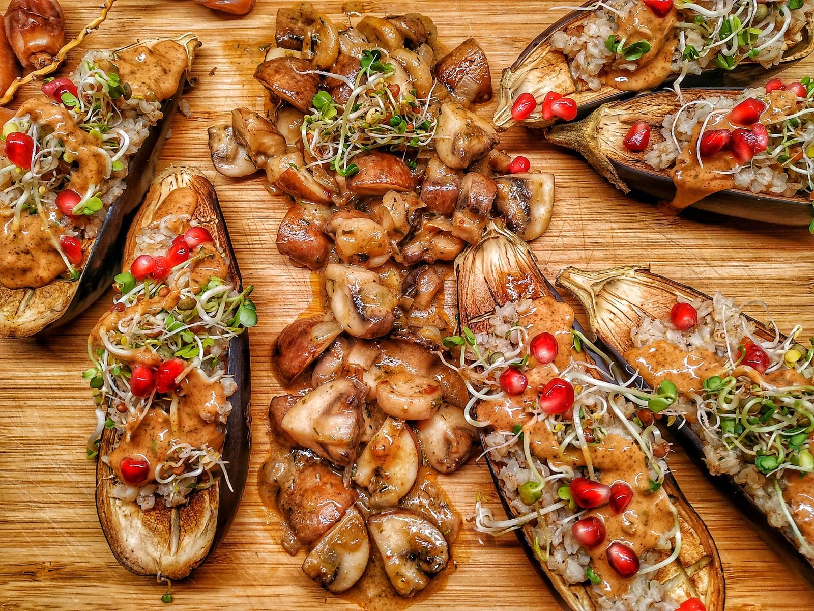 Auberginen-Schiffchen mit Pilzragout