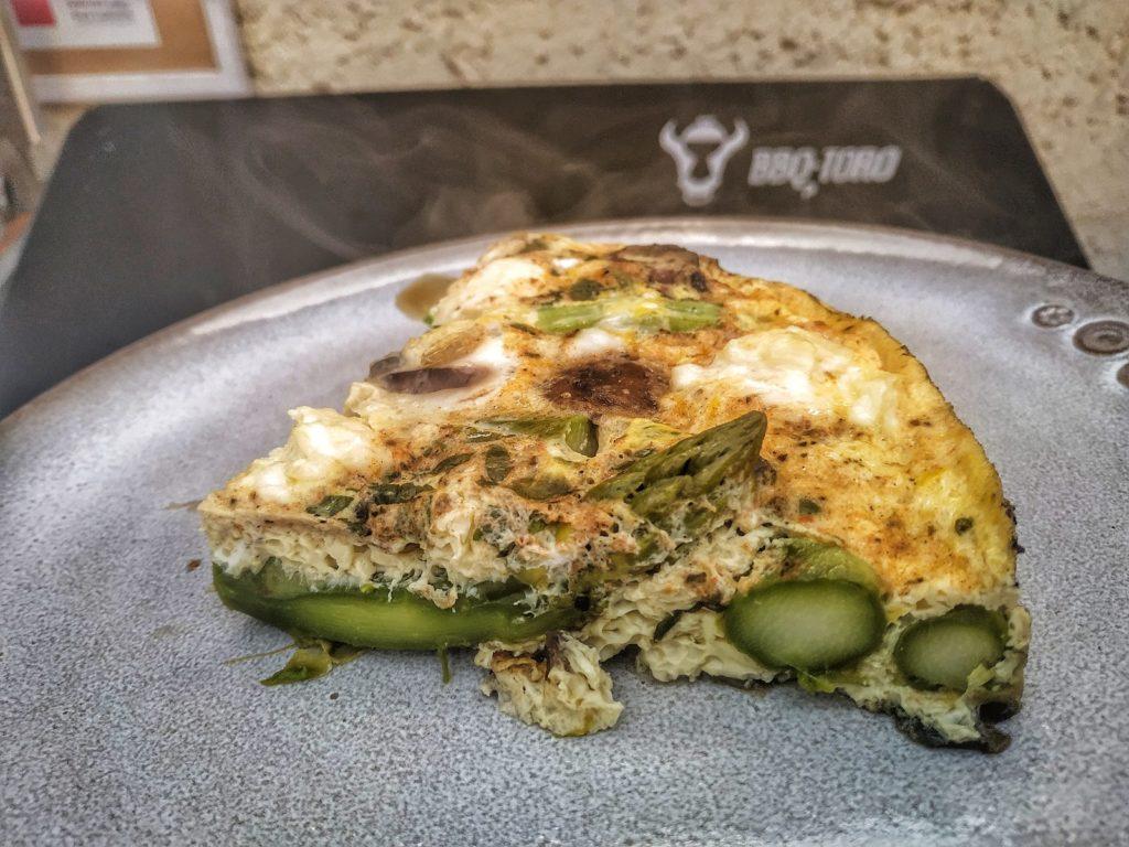 Spargel Frittata aus dem Dutch Oven