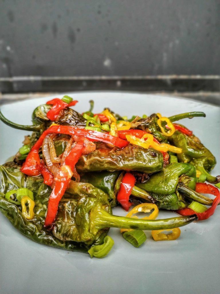 Pimientos Salat Thai Style