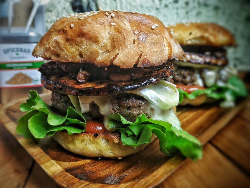 Bratwurst Brät Burger