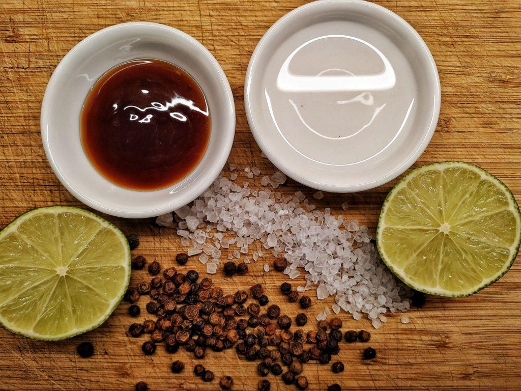 Zutaten für Limetten-Dip mit Kampot-Pfeffer