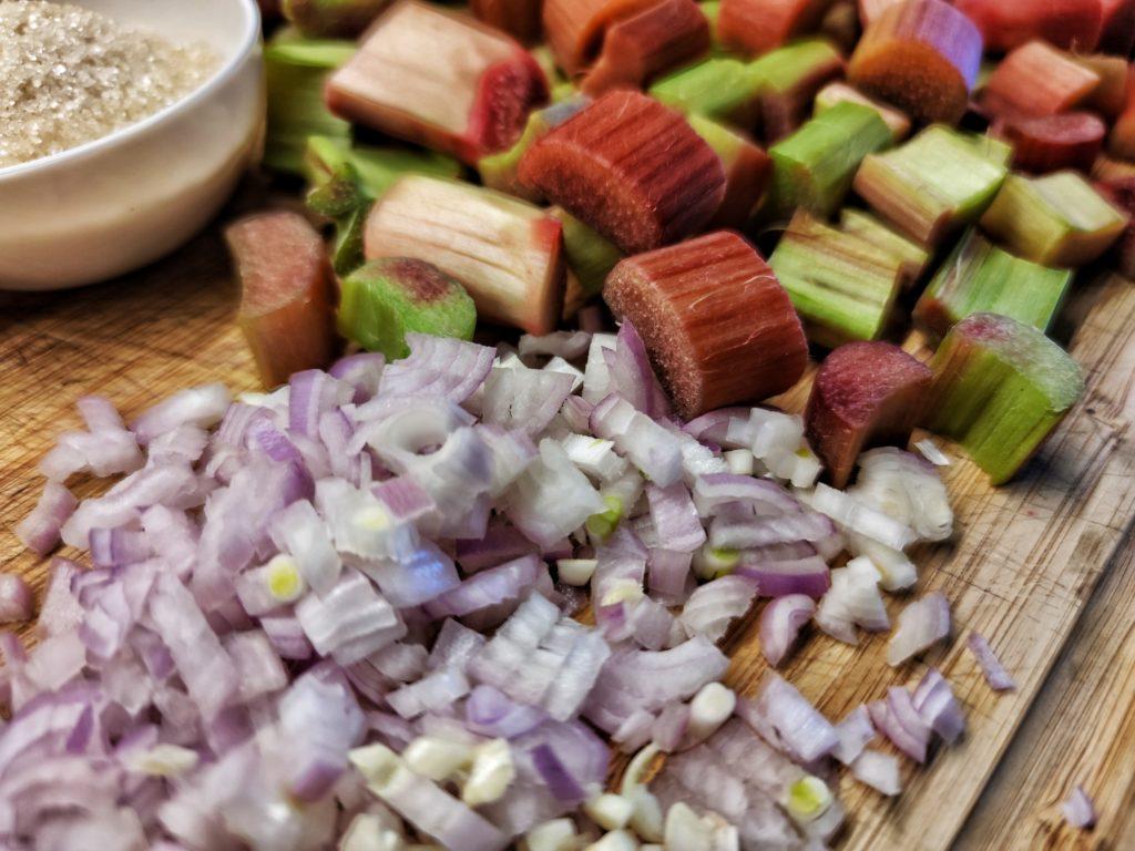 Zutaten für Rhabarber BBQ Sauce
