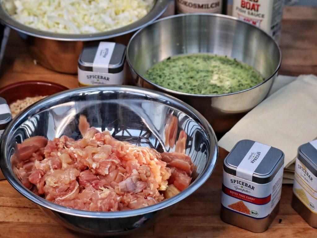 Thai Lasagne aus dem Dutch Oven mit Hähnchen