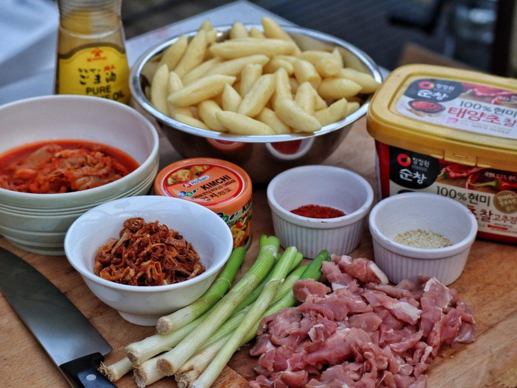 Zutaten für Schupfnudeln koreanisch mit Kimchi