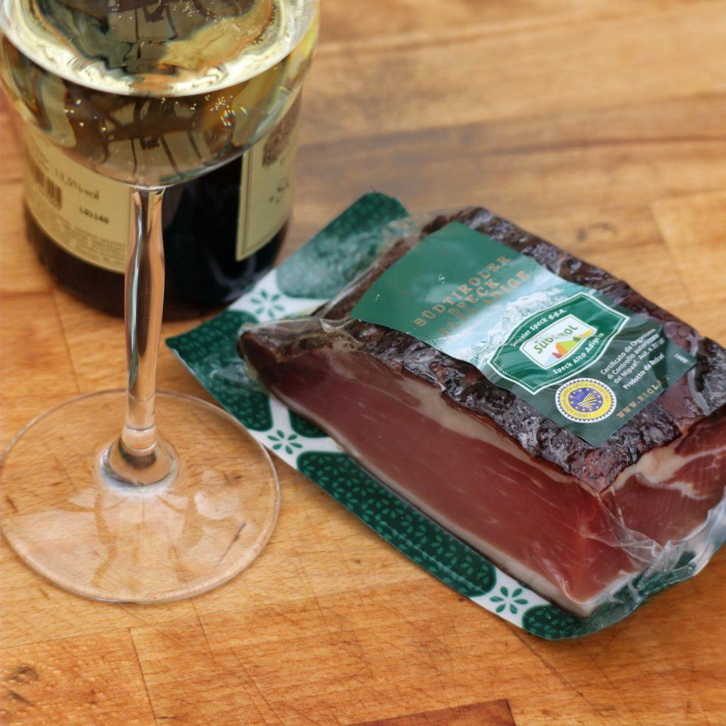 Südtiroler DOC Wein und Südtiroler Speck g.g.AA.